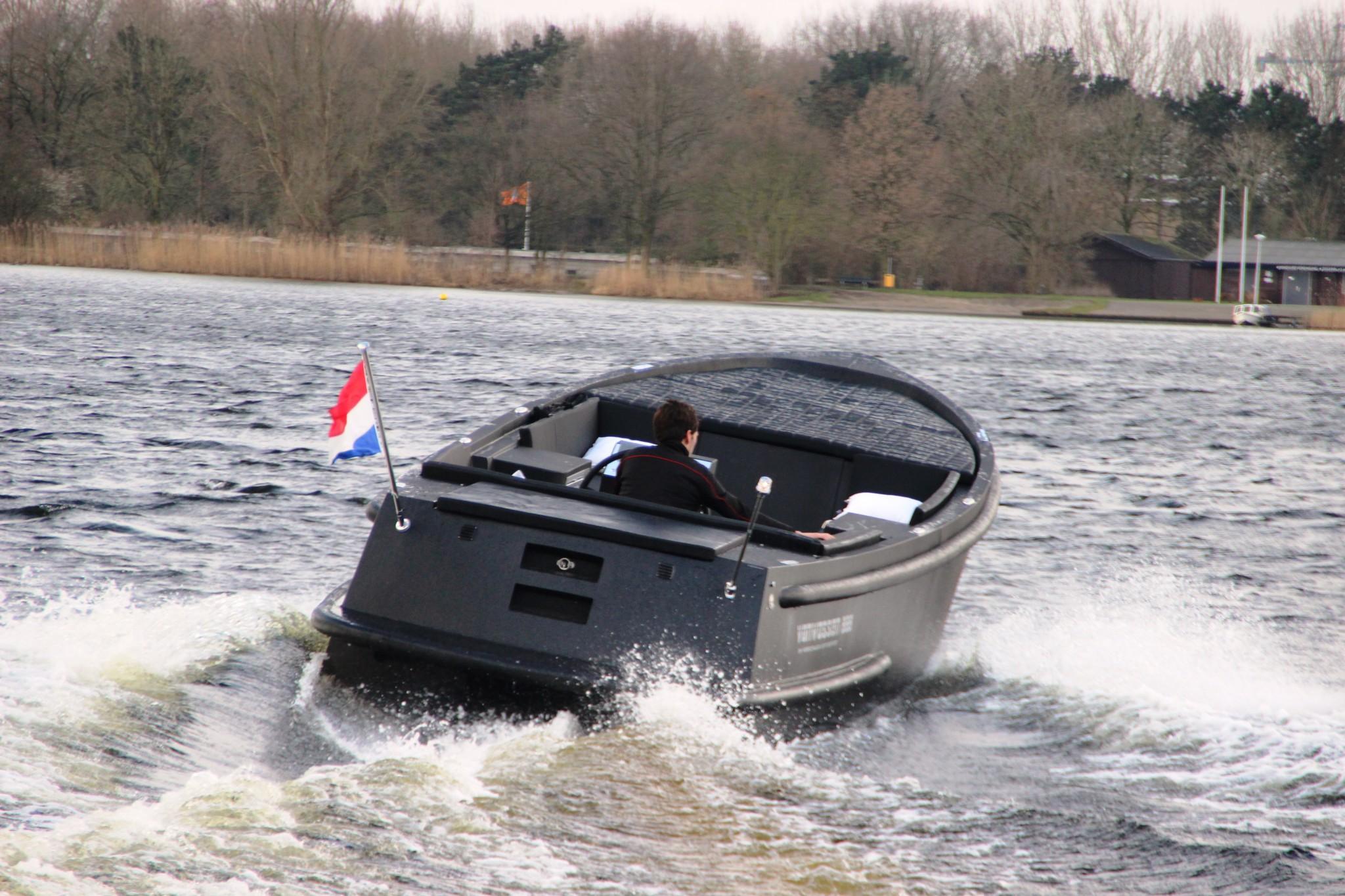 Van Vossen 888 tender